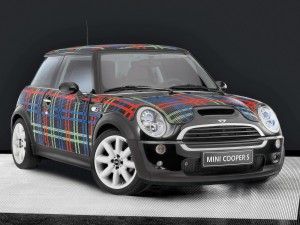 2005-Mini-Wears-Bisazza-Front-Angle-Tartan