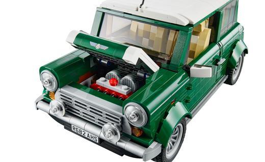 lego-mini-cooper-creator-kit-photo-603603-s-520x318