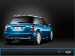 Blue MINI from behind